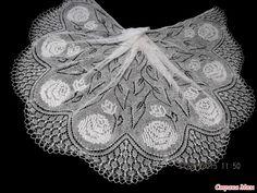 Ravelry: Rose Bush Shawl pattern by Lidiya Shomina Knitted Shawls, Crochet Shawl, Knit Crochet, Lace Shawls, Lace Knitting Patterns, Scarf Patterns, Thick Yarn, Knitting Videos, Knitting Tutorials