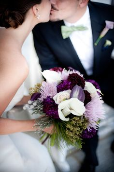 white and purple bouquet  / Justine Yandle Photography