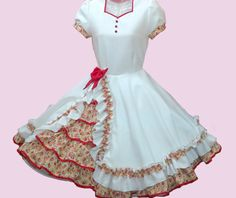 Huasa chilena, Vestidos de china! Kids Frocks, Lolita Dress, Looking For Women, Pretty Little, Beautiful Dresses, Ruffles, Evening Dresses, Vintage Outfits, Square Dance