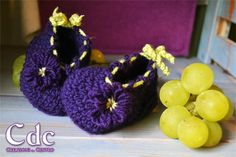 The fairy grapes : crochet booties