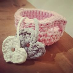 Crochet heart ♥ basket, my new addiction.