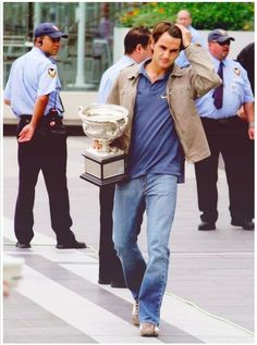 Roger Federer Visit http://www.sistem21-bet.com for free sports betting tips and earn guaranteed profit.