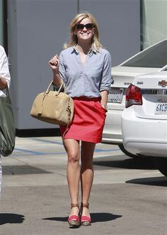 Isn't she just the cutest? Reese looked ready for a nice afternoon out on the town in a blue button-down, a red skirt and whimsical red-and-tan espadrilles for a shopping date on Aug. 5, 2013.