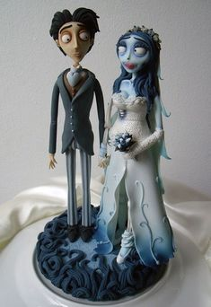 Skillfully made of fondant, this Corps Bride cake topper will actually last indefinitely if stored properly! With such beautiful finishing, It's surely keepsake quality! Victor Corpse Bride, Corpse Bride Art, Corpse Bride Wedding, Halloween Wedding Cakes, Halloween Cakes, Horror Cake, Art Deco Cake, Brides Cake, Character Cakes