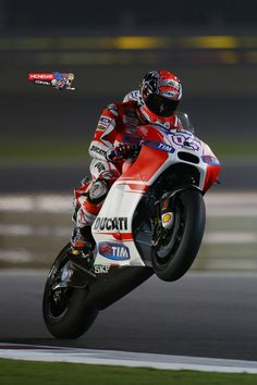 Andrea Dovizioso was pipped at the post for the win by Valentino Rossi in Qatar MotoGP 2015