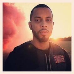 """Comment: elisebaert said """"#disiz#extra#lucide#rap#français#idole#monhomme#jetaime#perfection#rappeur#senegal#love#musique#france#clip#extralucide#brille"""""""
