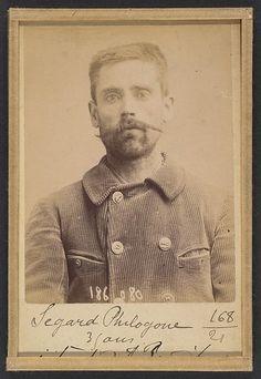 Alphonse Bertillon | Segard. Philogone. 44 ans (35 ans inscrit sur la photo), né à Salond (Somme). Journaliste. Anarchiste. | The Met