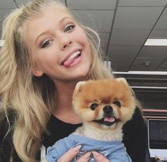 Loren Gray with Jiffpom looking hat gyal!!!