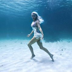 Scuba Diving Pictures Under The Sea Printing Videos Vase Code: 3596958458 Underwater City, Underwater Pictures, Scuba Diving Quotes, Diving Springboard, Girl In Water, Salt And Water, Underwater Photography, Water Sports, Under The Sea
