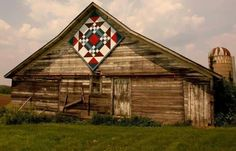 """""""Goose in the Pond"""" barn quilt. How handsome it looks on this old weathered barn. Barn Quilt Designs, Barn Quilt Patterns, Quilting Designs, Country Barns, Old Barns, Country Life, Wooden Barn, Rustic Barn, American Barn"""