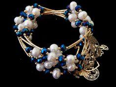 """SCOSB -29 Hermoso Semanario de chapa de oro 14k, perla natural y cristal, color el de la foto, precio x semanario $130 pesos, precio medio mayoreo(6 piezas)$125, precio mayoreo (12 piezas)$120, """"""""""""""""""""""""""""""""""""precio VIP (25 piezas) $115"""""""""""""""""""""""""""""""""""" Jewelry Crafts, Jewelry Art, Handmade Jewelry, Fashion Jewelry, Gemstone Bracelets, Bangle Bracelets, Seed Bead Art, Wire Wrapped Bracelet, Beaded Jewelry Patterns"""