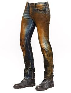 "A New York based luxury denim brand that was established in ""Bruised, never broken"" Jeans Fit, Jeans Pants, Denim Jeans, Denim Fashion, Fashion Pants, Fashion Outfits, Jeans Diesel, Denim Shirt Men, Japanese Denim"