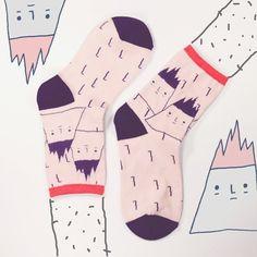 右手超人襪-小火山 yohand socks-volcano