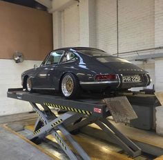 Ostgut - What's the Best Insurance for Modified Cars? Porsche 912, Porsche Autos, Porsche Cars, Porsche Carrera, Porsche Classic, Classic Cars, Supercars, Vintage Porsche, Modified Cars