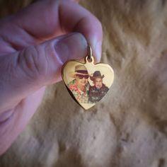68bed96b67 Joya con foto a color en forma de corazón. Visita Mgrabados.com  Joya