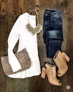IG: @mrscasual | White peplum top, skinny jeans, & beige booties