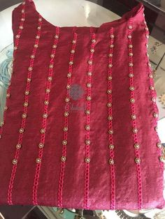 Get similar look with chain stitch alternating with beaded chain stitch. Churidar Designs, Kurti Neck Designs, Dress Neck Designs, Hand Embroidery Dress, Hand Embroidery Designs, Embroidery Patterns, Kurti Patterns, Dress Patterns, Sewing Patterns