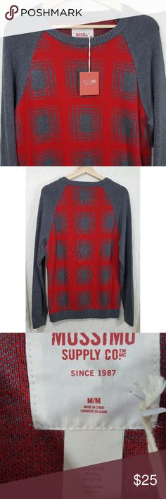 NWT Oversized Mossimo Sweater NWT Oversized Mossimo Sweater. Smoke free home. Size M. Perfect for Christmas! Mossimo Supply Co. Sweaters