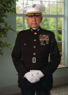 Believed to have been the first Asian-American officer in the Marine, Major Lee led troops into battle against the Chinese in Korea and was cited for bravery. The men who served with him agree he should have been awarded the MOH. Asian American, American Pride, Soldier Mountain, Marine Corps Officer, 7 Marine, Joining The Military, Korean War, American Soldiers, Badges