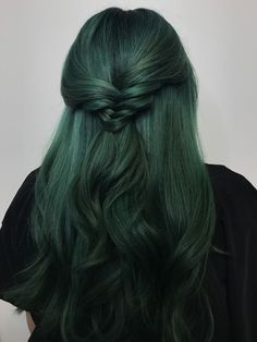 Hair sea witch hair goals // pulp riot absinthe nightfall noir styled w. h Hair color absinthe goals Green hair Hair nightfall noir pulp riot sea styled witch Pretty Hairstyles, Wig Hairstyles, Updo Hairstyle, Bride Hairstyles, Hairstyle Ideas, Witch Hair, Green Wig, Aesthetic Hair, Coloured Hair