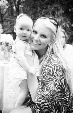 Jessica Simpson Tweets Adorable Baby Pics