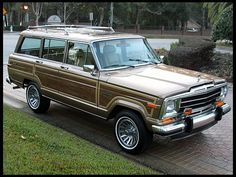 1988 Jeep Grand Wagoneer  5.9L, Factory Sunroof