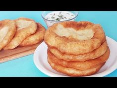 Placinte,scorvergi cu iaurt fara drojdie si fara framantare - YouTube No Cook Desserts, Kefir, I Foods, Apple Pie, Bread Recipes, French Toast, Deserts, Cooking, Breakfast