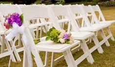 Para esta temporada aprovecha el clima para celebrar una hermosa boda al aire libre. Utiliza colores pastel combinándolos con el tradicional blanco. #WeddingBroker