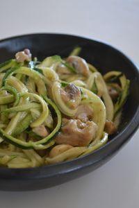 Courgette met groene kipcurry en champignons