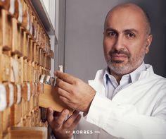 A paixão do farmacêutico George Korres por ingredientes naturais resultou em um projeto visionário. Sucesso em mais de 30 países, Korres chegou ao Brasil!