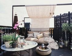 firsthome: rooftop lounging