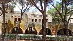 Le village fantôme de #Campochiaro est situé à #Rhodes, en #Grèce.