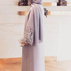 Arab Swag | Nuriyah O. Martinez | 99 vind-ik-leuks, 1 reacties - Inspiration Abayas Dubai (@fashionarabianshow) op Instagram: '#dubaifashion #abayas #hijabchic #abayasdubai #hijabfashion #muslim #hijab #luxuryabaya #hijabers…'