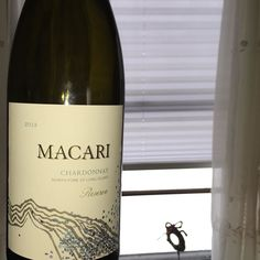 Moving on in our celebration of #Superbowl Sunday (we're spending it watching 'Say Yes to the Dress') we're devouring @macariwines Reserve Chardonnay. #whitewine #liwine #wine #nofo #longislandwine #winery #vineyard
