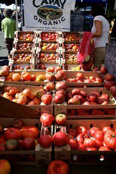 Market in Sonoma Valley, California