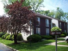 2 E Close, Moorestown, NJ 08057 - Home For Sale and Real Estate Listing - realtor.com®