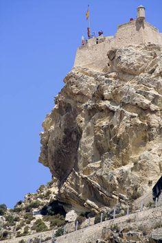 Alicante (Spain). Castillo de Santa Bárbara y la famosa Cara del Moro
