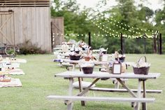this couple sat guests at picnic tables and on picnic blankets for their picnic #wedding reception!  So sweet!