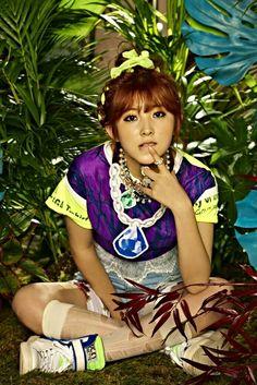 Kwon So Hyun member of Kpop Girl Groups, Korean Girl Groups, Kpop Girls, Crazy Girls, Cute Girls, Kim Hyuna, Cube Entertainment, Actor Model, Girl Costumes