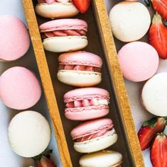 These are my Strawberry Macarons, filled with a delicious Strawberry Cream Cheese Frosting, made with freeze dried strawberries Strawberry Macaron, Strawberry Cupcakes, Strawberry Desserts, Strawberry Cream Cheese Frosting, Cream Cheese Desserts, Frosting Techniques, Frosting Tips, Fondant Flower Cake, Fondant Cakes