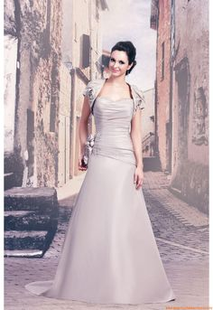 Satin a-linie  Romantische Brautkleider München 2014