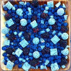 """Grow & glow lean with this smurf salad by Rawvana ♡ Fresh blackberries, blueberries & chopped white dragon fruit. """