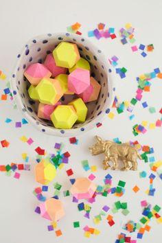 DIY How to make Chalk Gems for the Kids   Como hacer tiza en forma de gemas para los niños