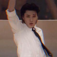 K Pop, Sans Meme, Pump It, Kpop Gifs, Funny Kpop Memes, Woo Young, Kim Hongjoong, Aesthetic Videos, Meme Faces