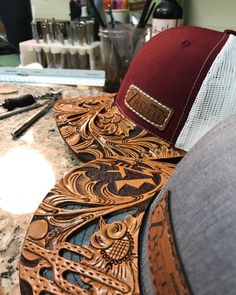 That's so awesome halloween nails, halloween costumes inspo, halloween costumes huntress Leather Hats, Leather Tooling, Leather Craft, Tooled Leather Purse, Leather Jewelry, Cowgirl Hats, Cowgirl Style, Leather Projects, Country Outfits