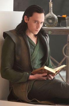 Loki Laufeyson, Loki Thor, Odin Marvel, Loki Avengers, Avengers Movies, Tom Hiddleston Loki, Thanos Marvel, Marvel Comics Wallpaper, Loki Wallpaper