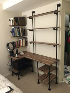 Trendy bedroom desk shelves industrial pipe Id Wall Shelving Systems, Wall Units, Pipe Decor, Bedroom Desk, Diy Bedroom, Trendy Bedroom, Bedroom Boys, Boy Rooms, Desk Shelves