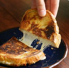 The Rules of Melting Cheese. (Which cheeses melt better than others and other invaluable life information.)