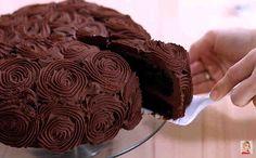 Es un pastel de chocolate puro, todo es del chocolate, dentro y por fuera. Esto es un postre para los amantes del chocolate… única, rico, húmedo y chocolate Ingredientes (para 12-14 porciones): + 1 y 3/4 tazas (220 g) de harina para todo uso, + 3/4 taza (90 g) de polvo de cacao sin azúcar