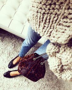 "Polubienia: 5,010, komentarze: 36 – Dominika (@dominica888) na Instagramie: ""🍂🍁🍂🍁 #me #girl #blonde #ootd #fashion #love #fall || @zahara_leather 🐯❤️ #knit @simplylife_concept"""